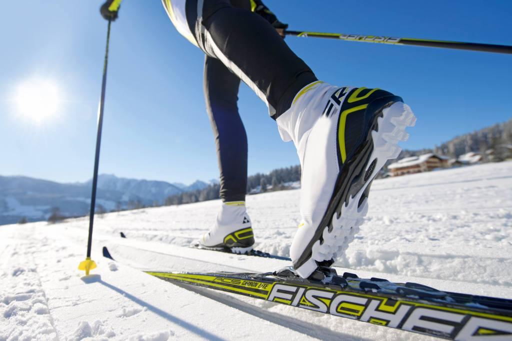 cross-country-skiing-624246